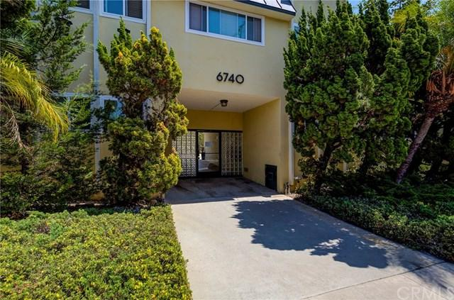 6740 Springpark Avenue #207, Ladera Heights, CA 90056 (#SB18199616) :: Go Gabby