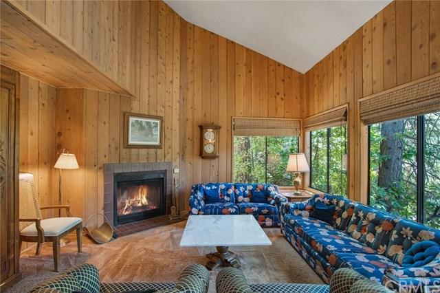 27721 Peninsula Drive #233, Lake Arrowhead, CA 92352 (#EV18211401) :: Angelique Koster