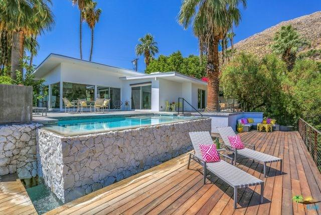 360 W Crestview Drive, Palm Springs, CA 92264 (#19459644PS) :: The Darryl and JJ Jones Team