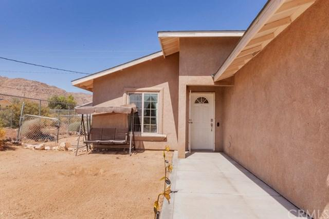 6994 49 Palms Avenue, 29 Palms, CA 92277 (#JT19116894) :: The Marelly Group | Compass