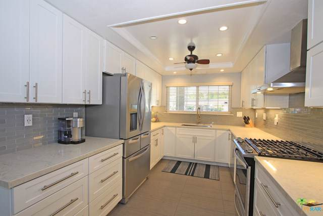 2996 E Sonora Road, Palm Springs, CA 92264 (#19472768PS) :: J1 Realty Group