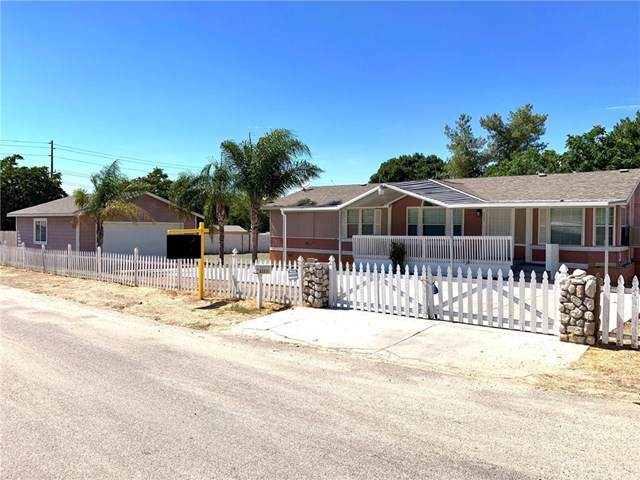 33230 Mission Trail, Wildomar, CA 92595 (#PW19171442) :: Allison James Estates and Homes