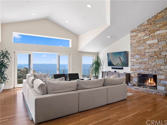 1020 Emerald Bay, Laguna Beach, CA 92651 (#NP19175551) :: Doherty Real Estate Group