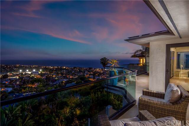 677 Mystic Way, Laguna Beach, CA 92651 (#LG19197113) :: Doherty Real Estate Group