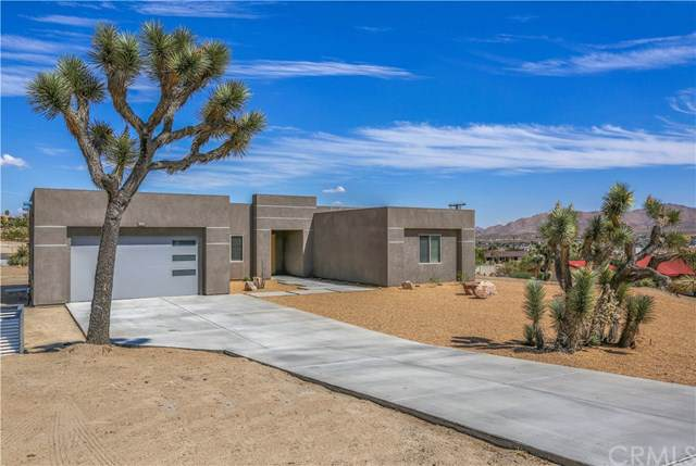 6383 Red Bluff Avenue, Yucca Valley, CA 92284 (#JT19211039) :: Go Gabby