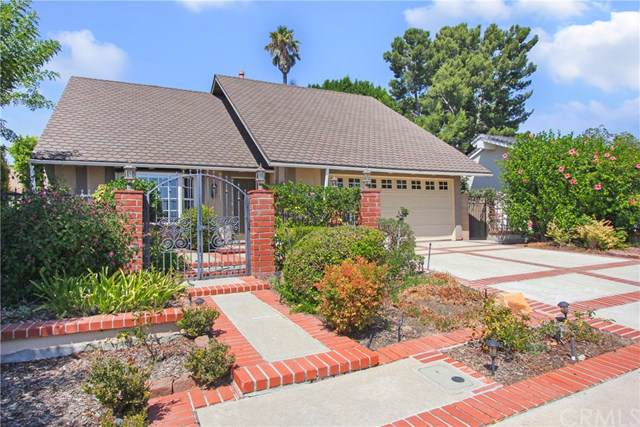 25771 Knotty Pine Road, Laguna Hills, CA 92653 (#OC19215688) :: Fred Sed Group