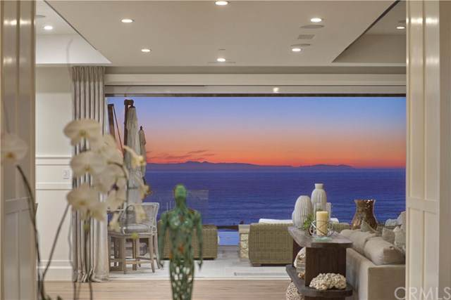 25 Beach View Avenue, Dana Point, CA 92629 (#NP19215511) :: Sperry Residential Group