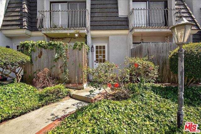 7854 W Manchester Avenue, Playa Del Rey, CA 90293 (#19510460) :: Allison James Estates and Homes