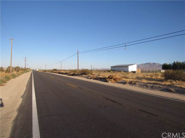 0 0450-093-23-0000 HWY 247, Lucerne Valley, CA 92356 (#EV19232370) :: Crudo & Associates