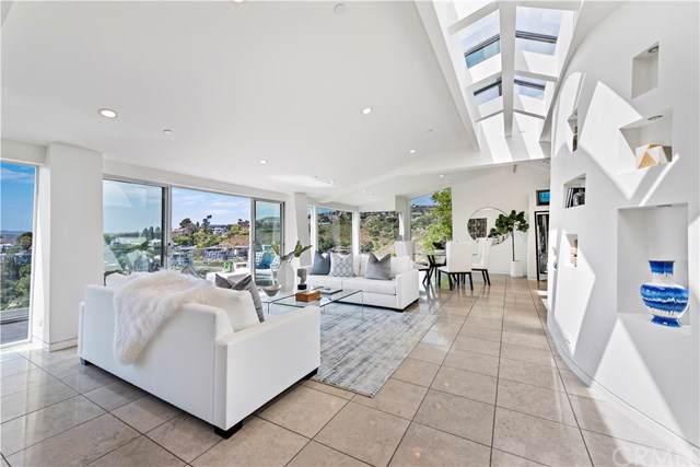 2390 Temple Hills Drive, Laguna Beach, CA 92651 (#LG19232440) :: Doherty Real Estate Group