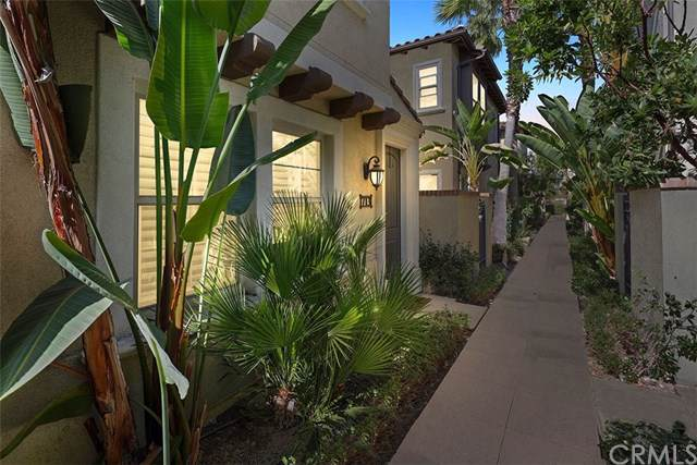 713 E Valencia Street, Anaheim, CA 92805 (#PW19243977) :: Sperry Residential Group