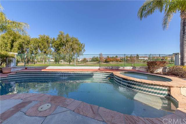 46024 Paseo Gallante, Temecula, CA 92592 (#SW19258166) :: EXIT Alliance Realty