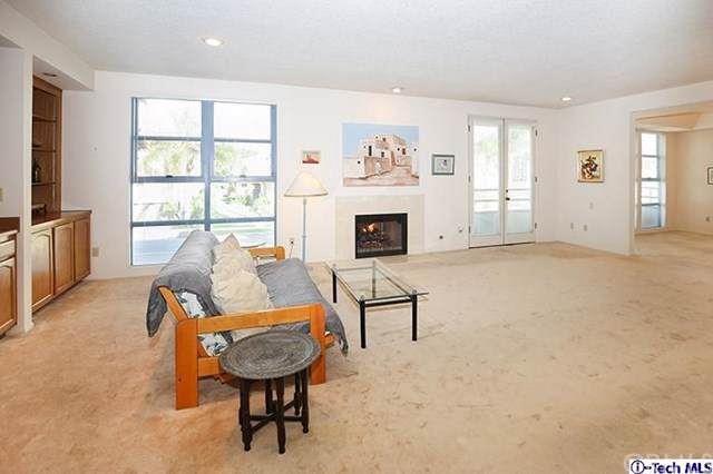 11700 Iowa Avenue #103, Los Angeles (City), CA 90025 (#319004651) :: Sperry Residential Group