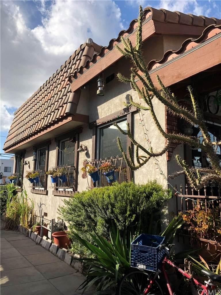 6823 Seville Avenue - Photo 1