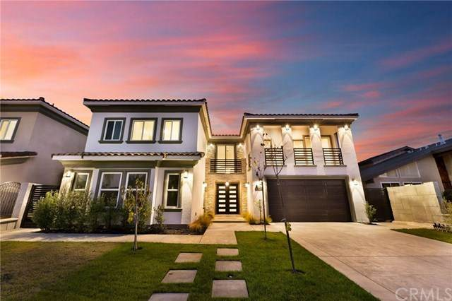 16752 Bolero Ln, Huntington Beach, CA 92649 (#OC20184091) :: The Miller Group