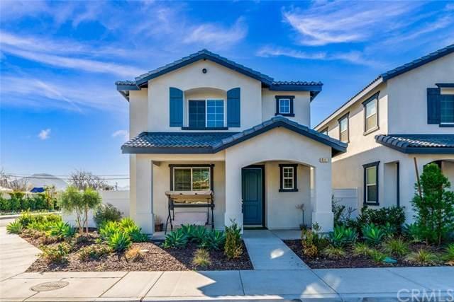 411 Garden Way, Colton, CA 92324 (#OC21004143) :: The DeBonis Team