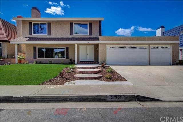 25181 Barents, Laguna Hills, CA 92653 (#OC21090871) :: Cesi Pagano & Associates