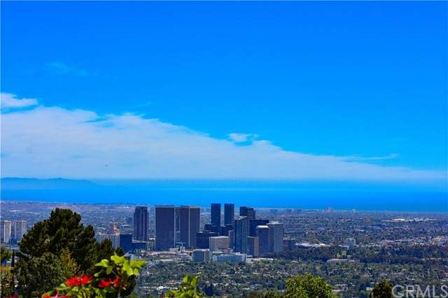 521 Chalette Drive, Beverly Hills, CA 90210 (#AR21096745) :: The Houston Team | Compass