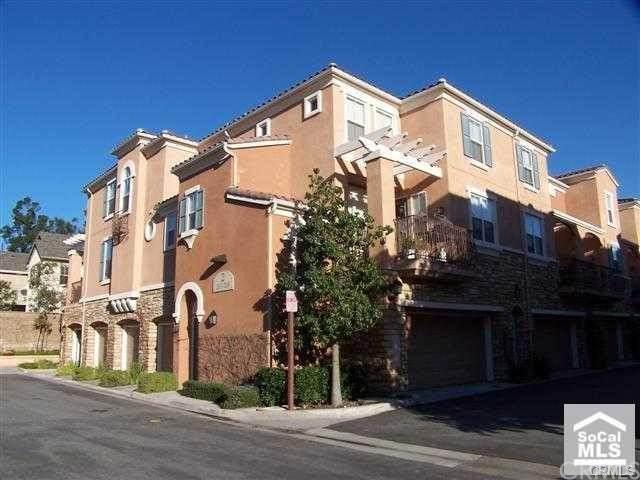 208 Terra Bella, Irvine, CA 92602 (#OC21100708) :: Jett Real Estate Group