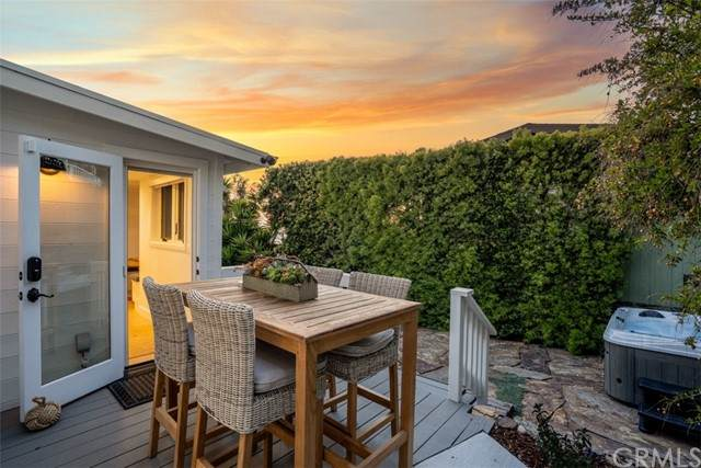 274 Upland Road, Laguna Beach, CA 92651 (#LG21118723) :: Mint Real Estate