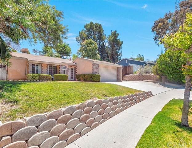 27748 Pine Hills Avenue, Canyon Country, CA 91351 (#BB21096479) :: Berkshire Hathaway HomeServices California Properties