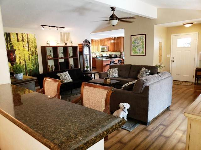 73670 Oak Flats Drive, Palm Desert, CA 92260 (#219063699DA) :: Berkshire Hathaway HomeServices California Properties