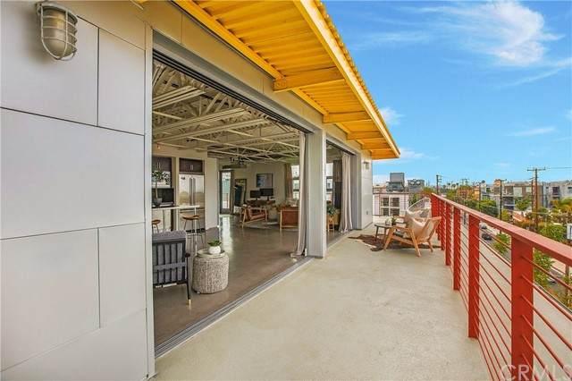 4141 Glencoe Avenue #501, Marina Del Rey, CA 90292 (#OC21135018) :: The Miller Group