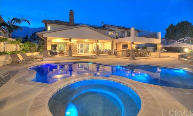 8469 Thoroughbred Street, Rancho Cucamonga, CA 91701 (#CV21134061) :: Compass