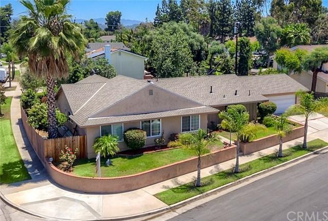 22982 Laurel Grove Circle, Lake Forest, CA 92630 (#OC17143338) :: DiGonzini Real Estate Group