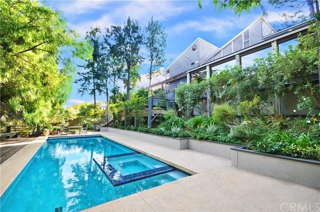 3073 Crest Road, Rancho Palos Verdes, CA 90275 (#PV17264601) :: Erik Berry & Associates