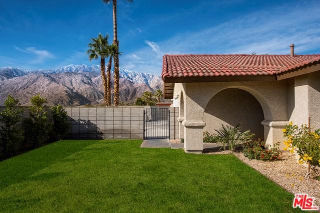 3118 E Vista Chino, Palm Springs, CA 92262 (#18391490) :: Fred Sed Group