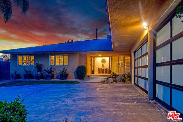 6725 S Sherbourne Drive, Inglewood, CA 90056 (#19419026) :: RE/MAX Innovations -The Wilson Group