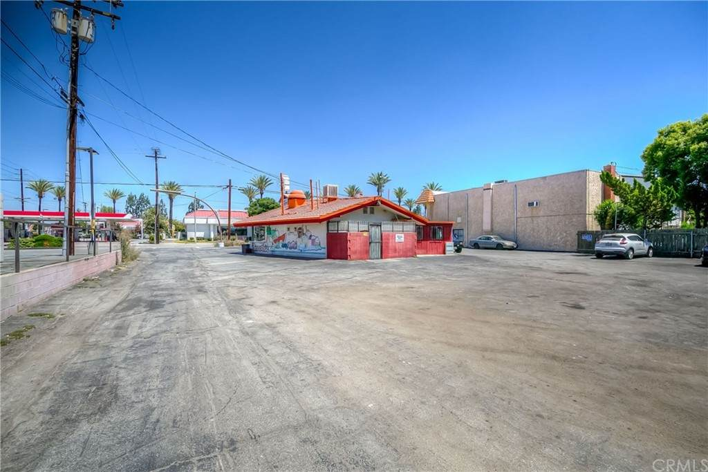 1063 Citrus Avenue - Photo 1