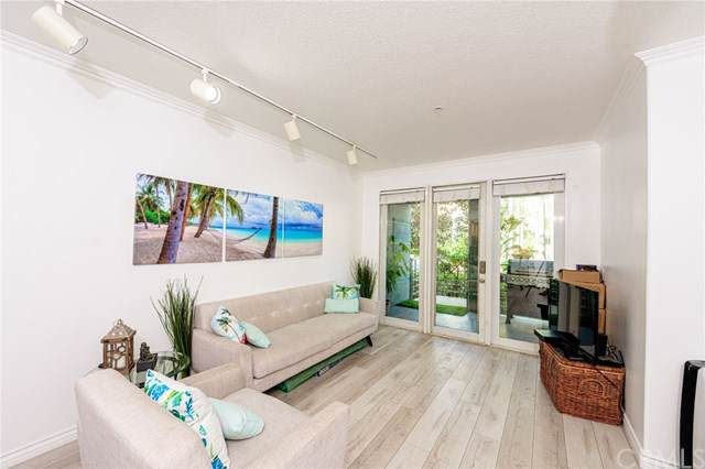 2233 Martin #121, Irvine, CA 92612 (#OC19130266) :: Doherty Real Estate Group