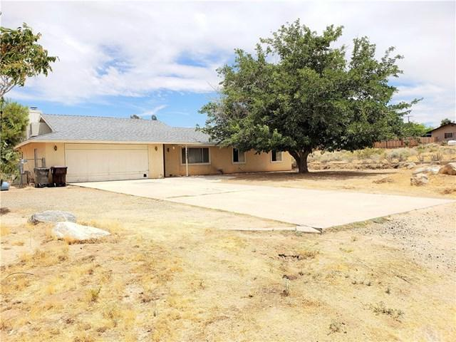 7367 Emerson Avenue, Yucca Valley, CA 92284 (#SW19137992) :: The Darryl and JJ Jones Team