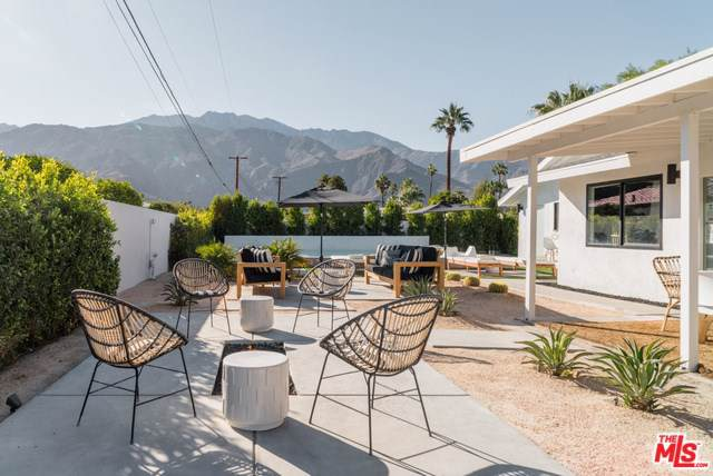 1211 Pasatiempo Road, Palm Springs, CA 92262 (#19503758) :: J1 Realty Group