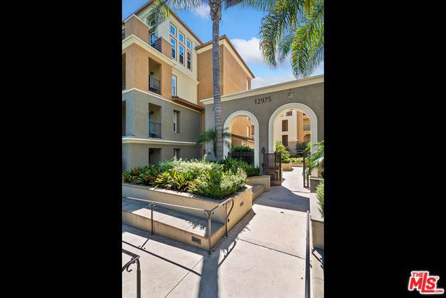 12975 Agustin Place #101, Playa Vista, CA 90094 (#19513396) :: Team Tami