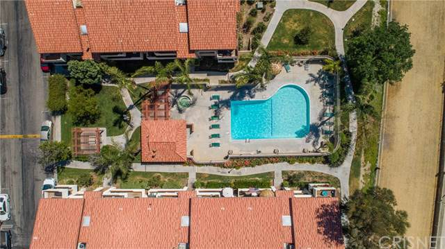 18124 Sundowner Way #1131, Canyon Country, CA 91387 (#SR19248202) :: Sperry Residential Group