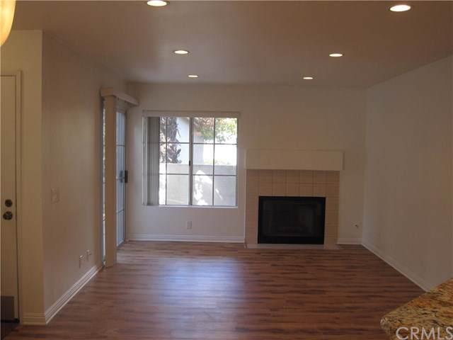 24352 Berrendo #1, Laguna Hills, CA 92656 (#OC19256019) :: Sperry Residential Group