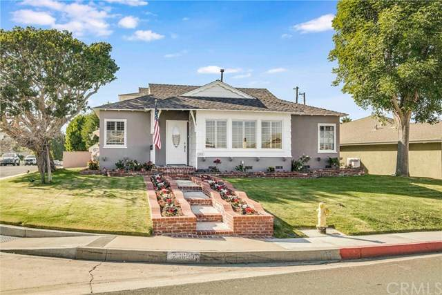 23655 Susana Avenue, Torrance, CA 90505 (#SB20235461) :: American Real Estate List & Sell