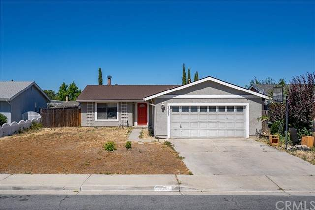 1966 Tulipwood Drive, Paso Robles, CA 93446 (#NS21126912) :: Compass