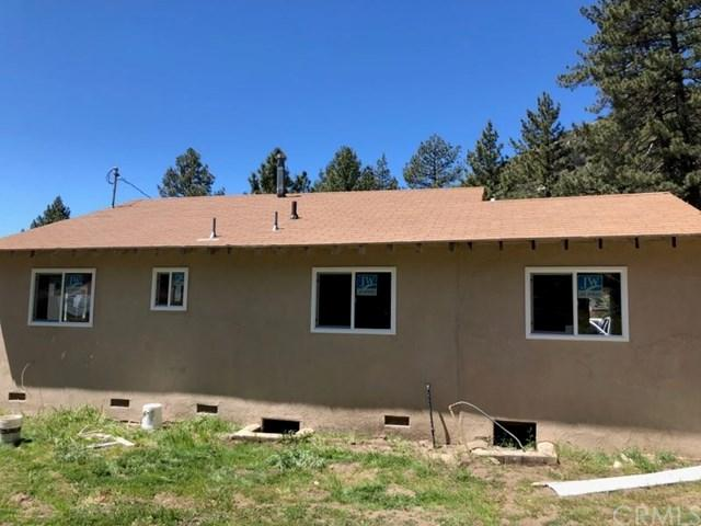31826 Pine Street, Mountain Center, CA 92561 (#CV17276669) :: Group 46:10 Central Coast
