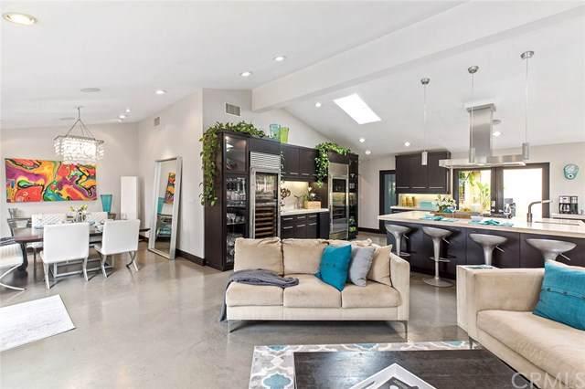 547 Santa Ana Avenue, Newport Beach, CA 92663 (#NP19143913) :: Sperry Residential Group