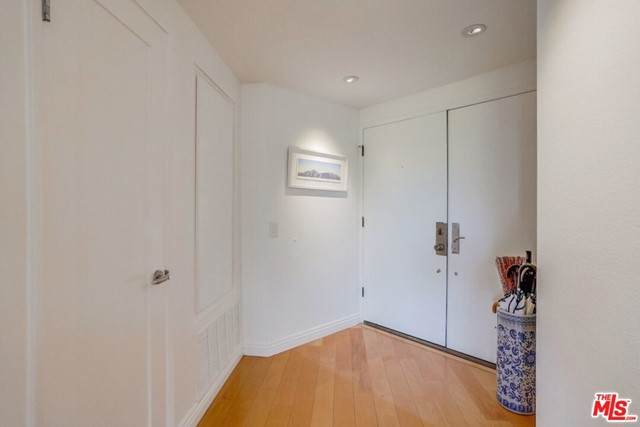 930 N Wetherly Drive #105, West Hollywood, CA 90069 (#21743668) :: Powerhouse Real Estate