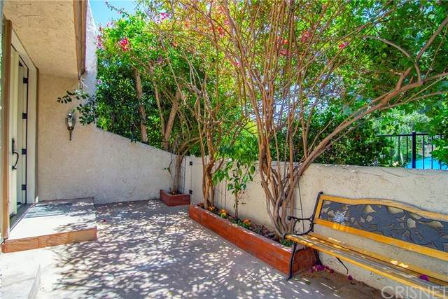 6225 Shoup Avenue #88, Woodland Hills, CA 91367 (#SR21115081) :: Berkshire Hathaway HomeServices California Properties