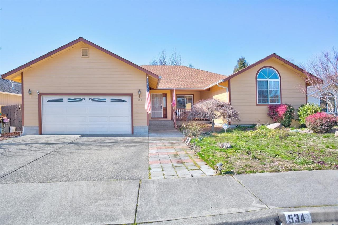 534 SW Anique Lane, Grants Pass, OR 97527 (#3004286) :: FORD REAL ESTATE