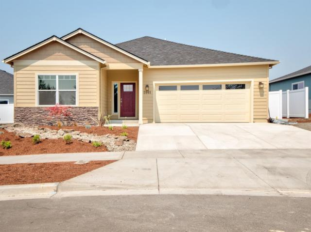 2001 Hondeleau Lane, Medford, OR 97504 (#2984948) :: Rocket Home Finder