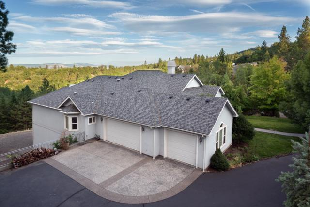 215 Surrey Drive, Jacksonville, OR 97530 (#2981836) :: Patie Millen Group - John L. Scott Real Estate