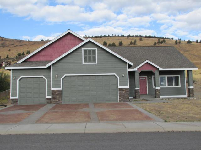 881 Westview Drive, Klamath Falls, OR 97603 (#2982153) :: Patie Millen Group - John L. Scott Real Estate