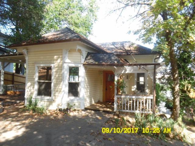 365 Vista Street, Ashland, OR 97520 (#2982214) :: FORD REAL ESTATE